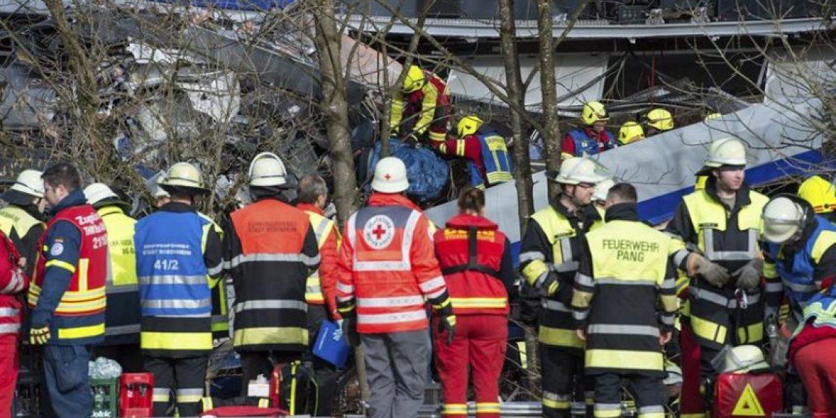 Alemania: al menos 8 muertos y 150 heridos deja colisión entre dos trenes