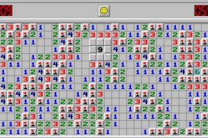Inventado en 1989, el objetivo era despejar un campo de minas sin detonar ninguna ya que de hacerlo, terminaba el juego. Foto:Vía Tumblr.com