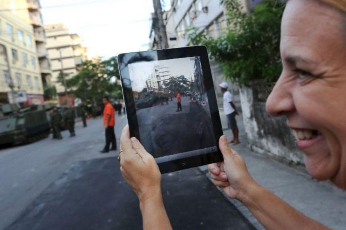 3. Intenten dejar de ver el teléfono, colóquenlo en un lugar que no permita que lo vean cada 5 minutos. Foto:Getty Images