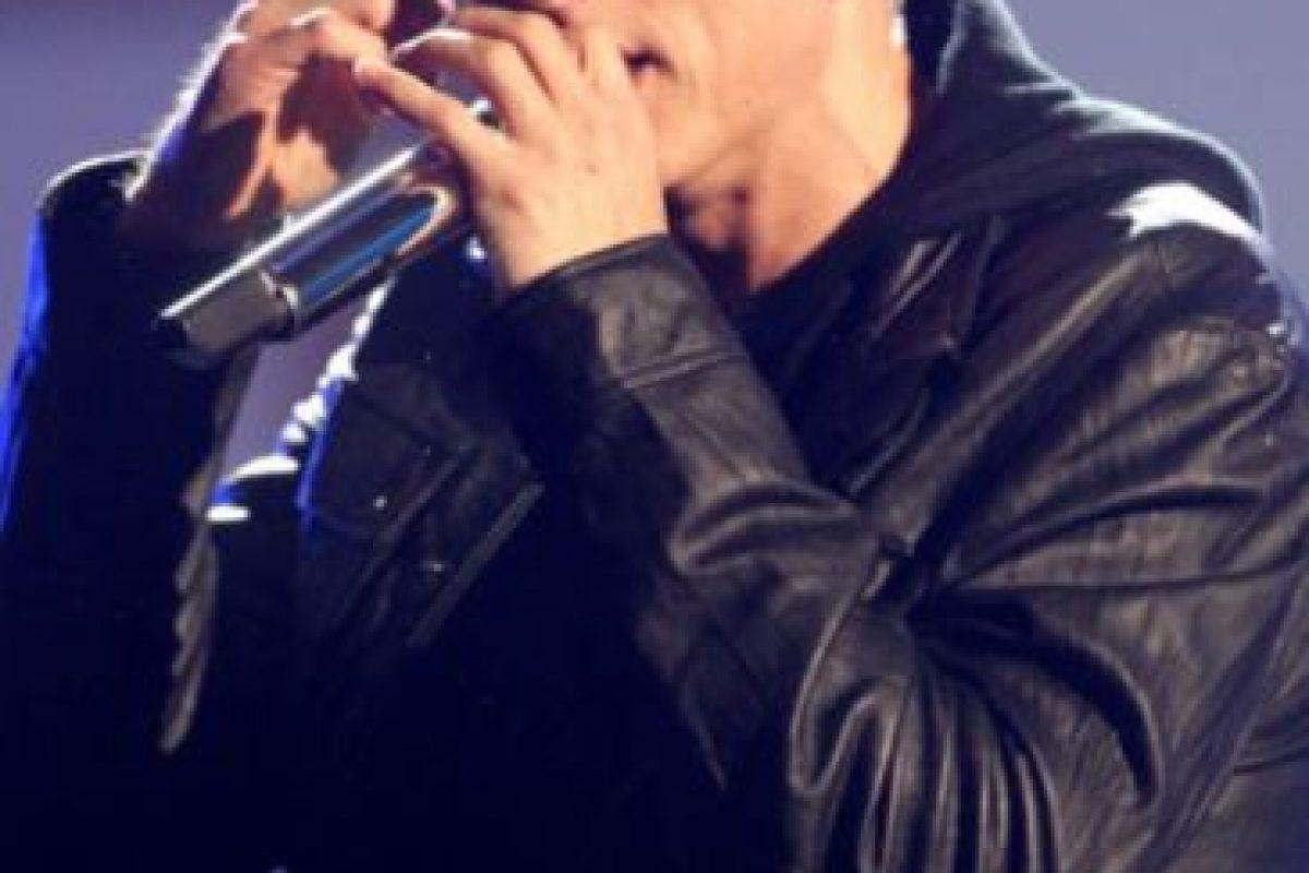 El rapero estadounidense tenía problemas con las drogas. En 2010 se acercó al cantante británico Elton John, quien lo apoyaría en su rehabilitación de más de un año. Foto:vía Getty Images