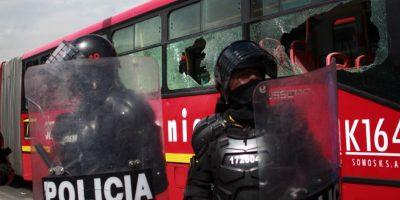 La inspiración de Transantiago: colombianos desataron su furia contra el Transmilenio