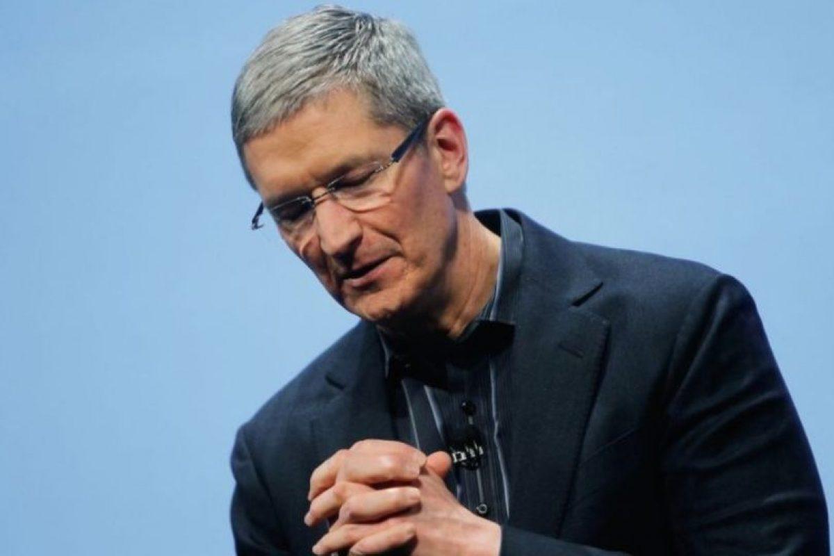 Finalmente, asumió el puesto de director ejecutivo de Apple en 2011 en sustitución de Steve Jobs. Foto:Getty Images. Imagen Por: