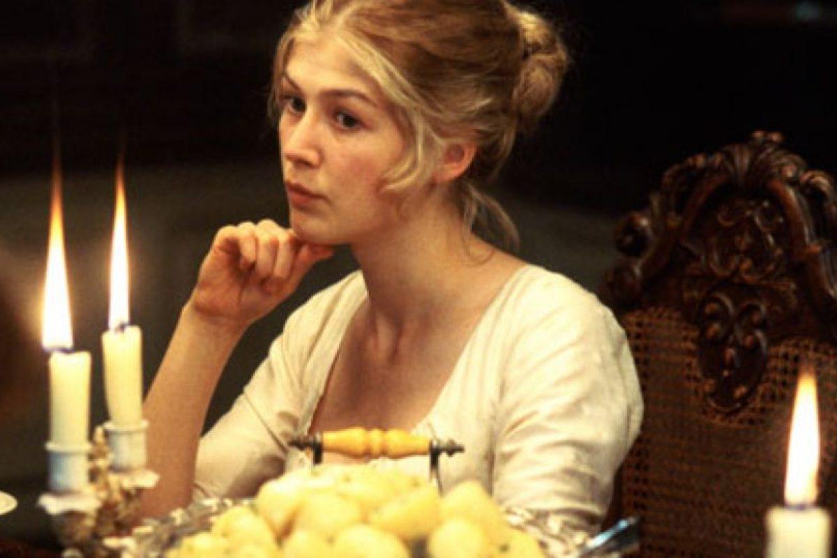 Su timidez le jugará en contra, pero se casa con Mr. Bingley. Foto:vía StudioCanal. Imagen Por: