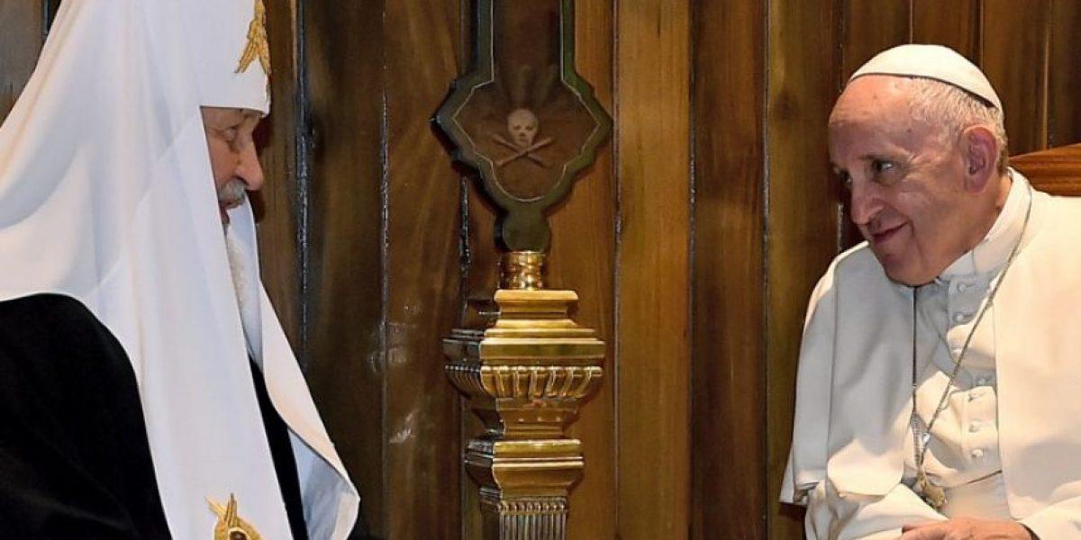 Cuba recibe histórico abrazo entre el Papa y el patriarca ruso Kiril