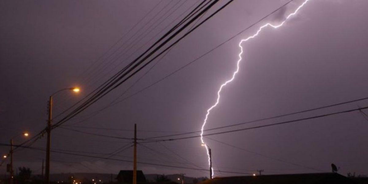 Hombre muere alcanzado por un rayo durante tormenta eléctrica en el norte