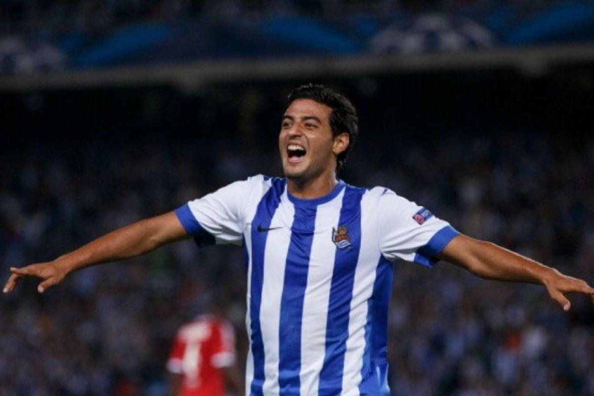 El famoso delantero mexicano de la Real Sociedad no tiene pareja. Foto:Getty Images. Imagen Por: