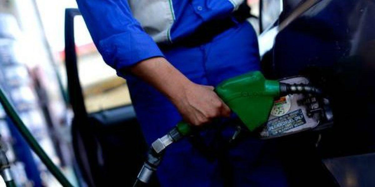 Hasta 12 pesos bajarían las bencinas el próximo jueves