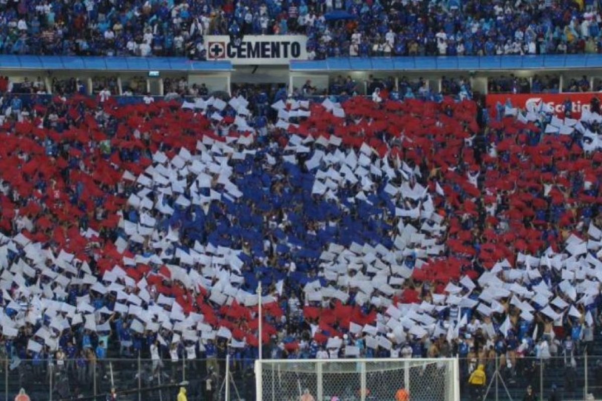 Miren algunos de los mejores mosaicos en las gradas de los estadios de fútbol Foto:Twitter. Imagen Por: