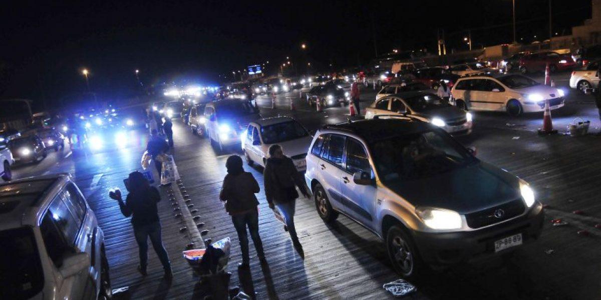 Recambio de veraneantes: usuarios reportan congestión en peaje Angostura