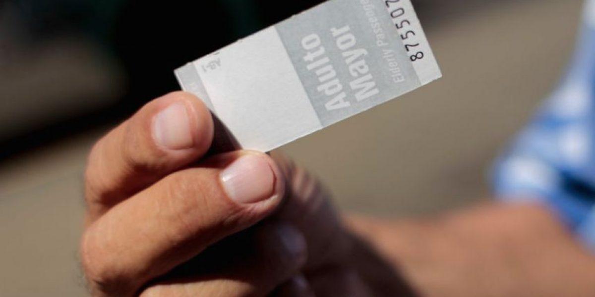 Gobierno argumenta que alza del Metro financiará pasajes rebajados de adultos mayores
