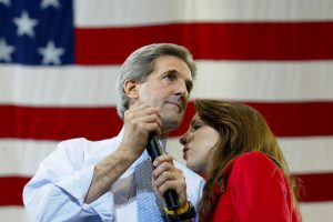John Kerry y Alexandra Kerry Foto: Getty Images