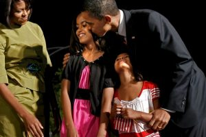 En 1998 nació su primera hija, Malia Ann Foto:Getty Images