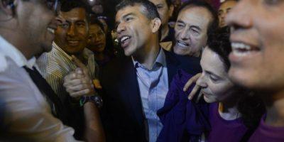 Perú: Julio Guzmán inicia vigilia exigiendo la validación de su candidatura presidencial
