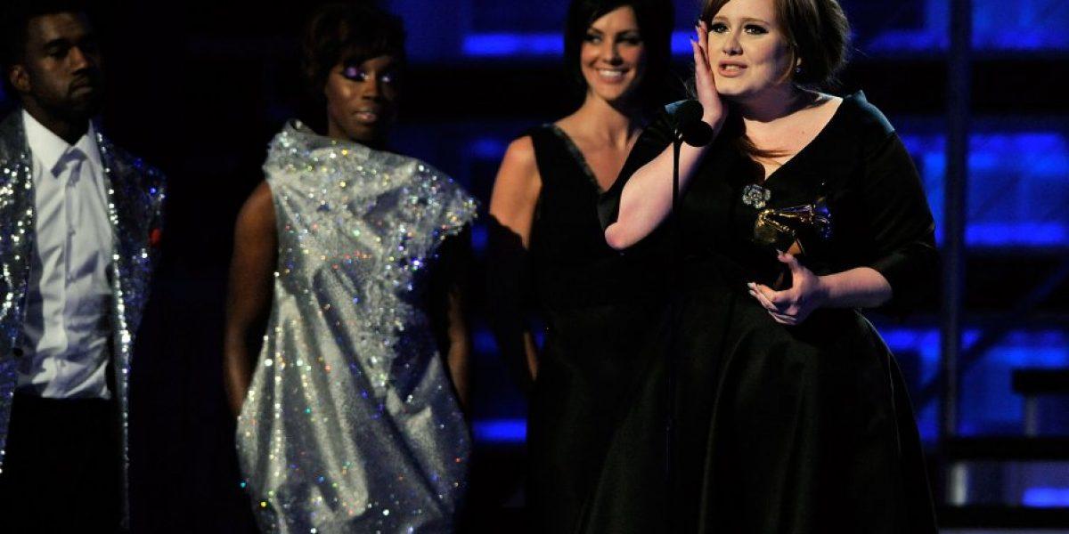 Así lució Adele en su primera entrega en los Grammy y así luce ahora