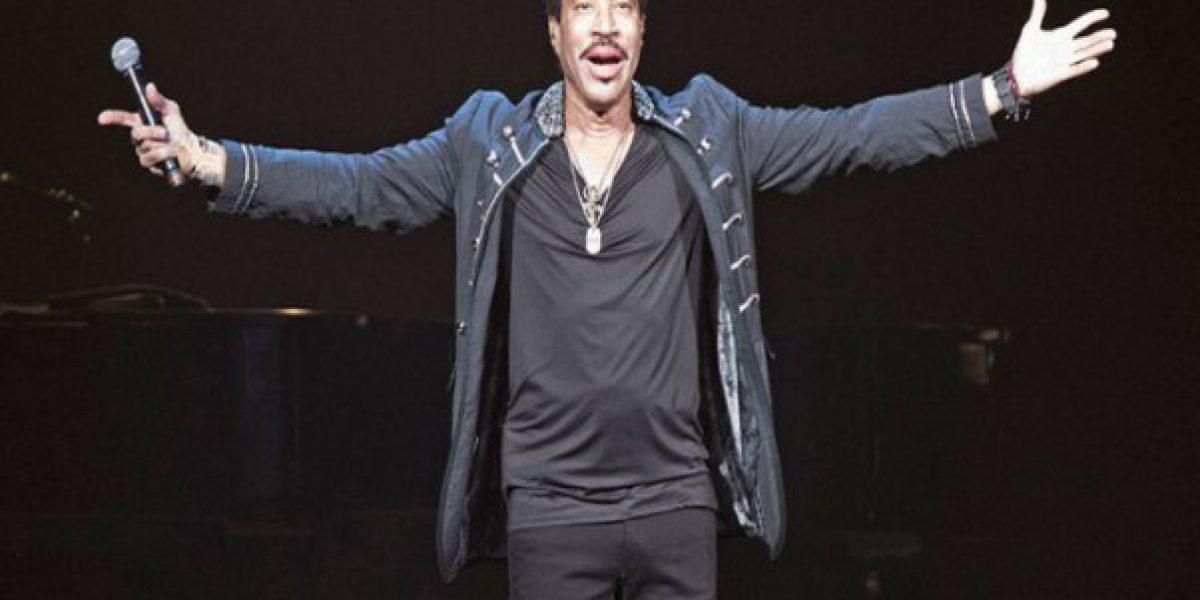 Lionel Richie es homenajeado en los Grammy 2016