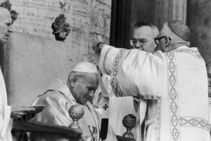 """1. """"No tengan miedo. Abran las puertas a Cristo"""". El 16 de octubre de 1978, día de su elección como Papa. Foto:Getty Images"""