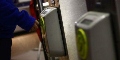 Este lunes comienza a regir cambios de tarifa en hora punta del Metro