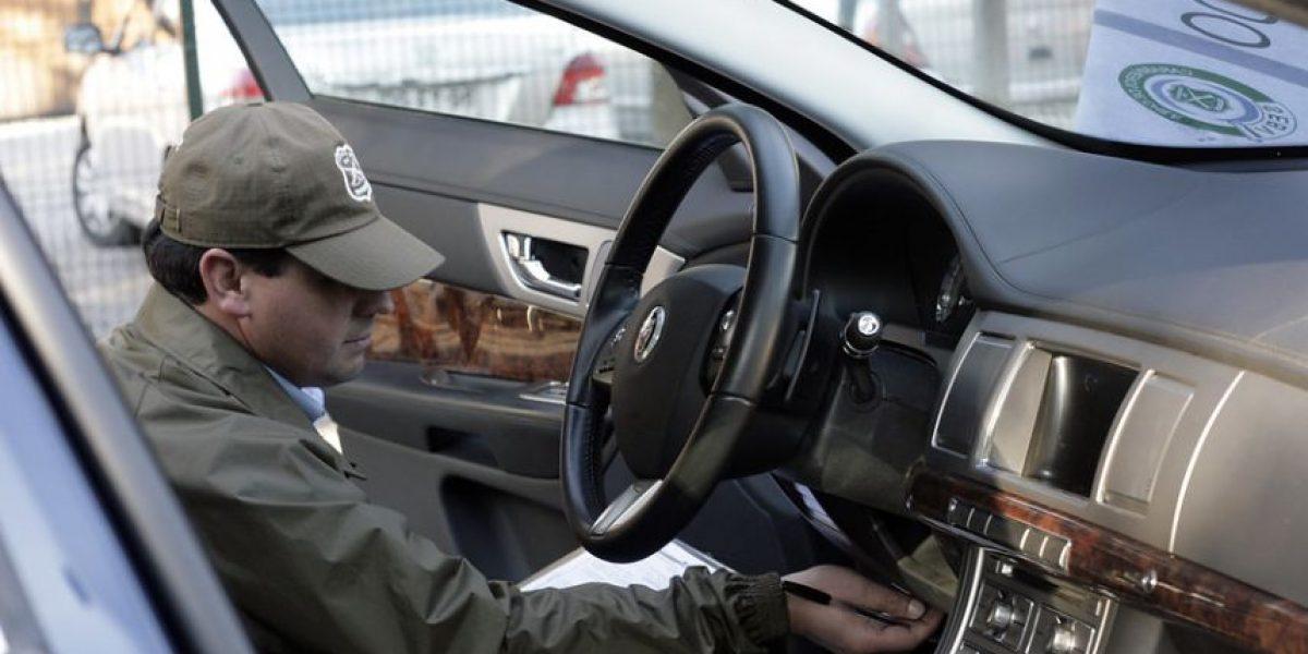 "La Reina registra nuevo ""portonazo"": delincuentes robaron un auto de lujo"