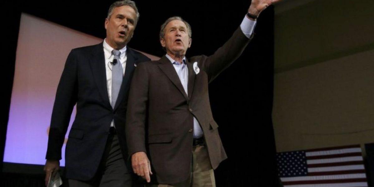 George W. Bush aparece por primera vez en campaña de su hermano