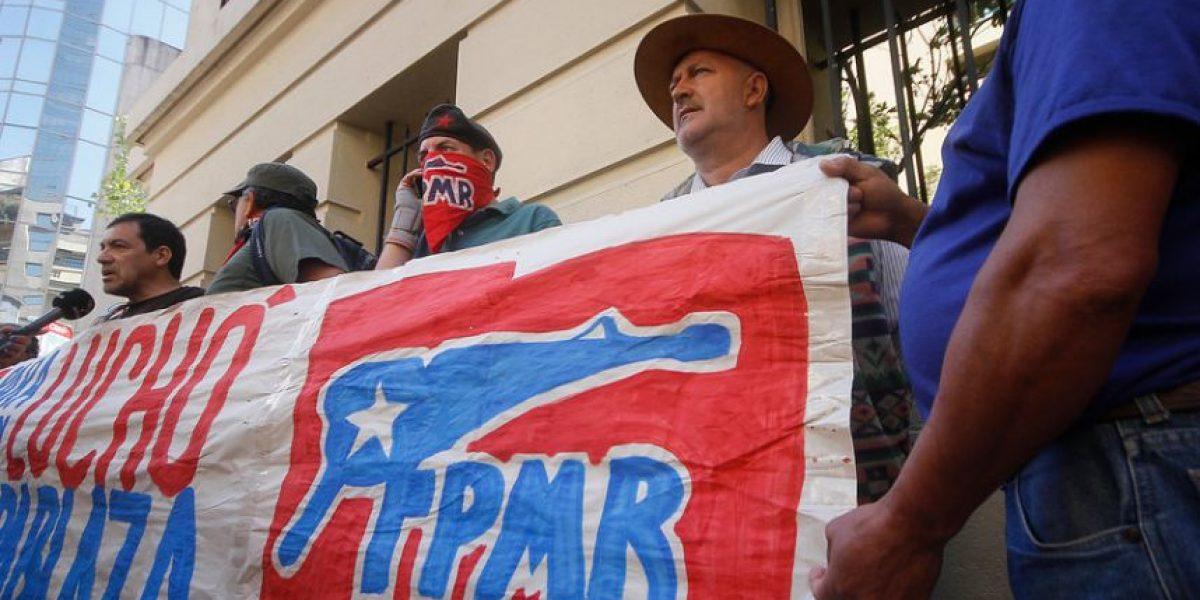 Frentistas protestaron en la embajada de Argentina: rechazan extradición de Apablaza