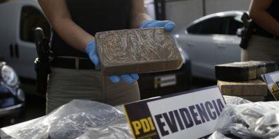 Operativo de la PDI logró incautar armamento y 80 kilos de marihuana