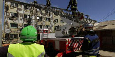 Incendio afectó a complejo de departamentos en san Pedro de la Paz