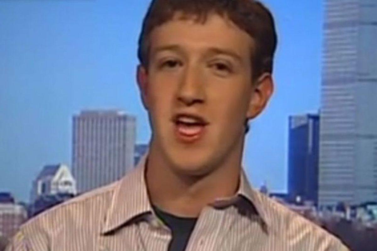 Mark Zuckerberg en una entrevista en 2004. Foto:Vía CNBC. Imagen Por: