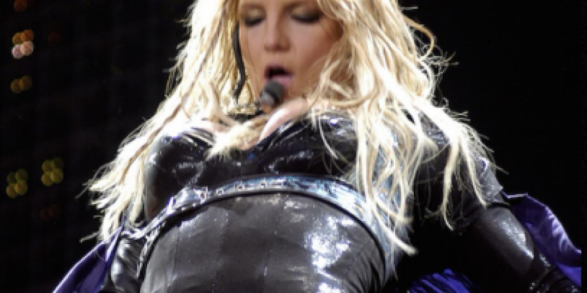Hace 9 años Britney Spears se rapó la cabeza y ahora luce así