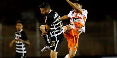 Un aguerrido Cobresal perdió por un autogol en el epílogo ante Corinthians