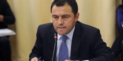 Espectro político reaccionó a renuncia de Cristián Riquelme de La Moneda