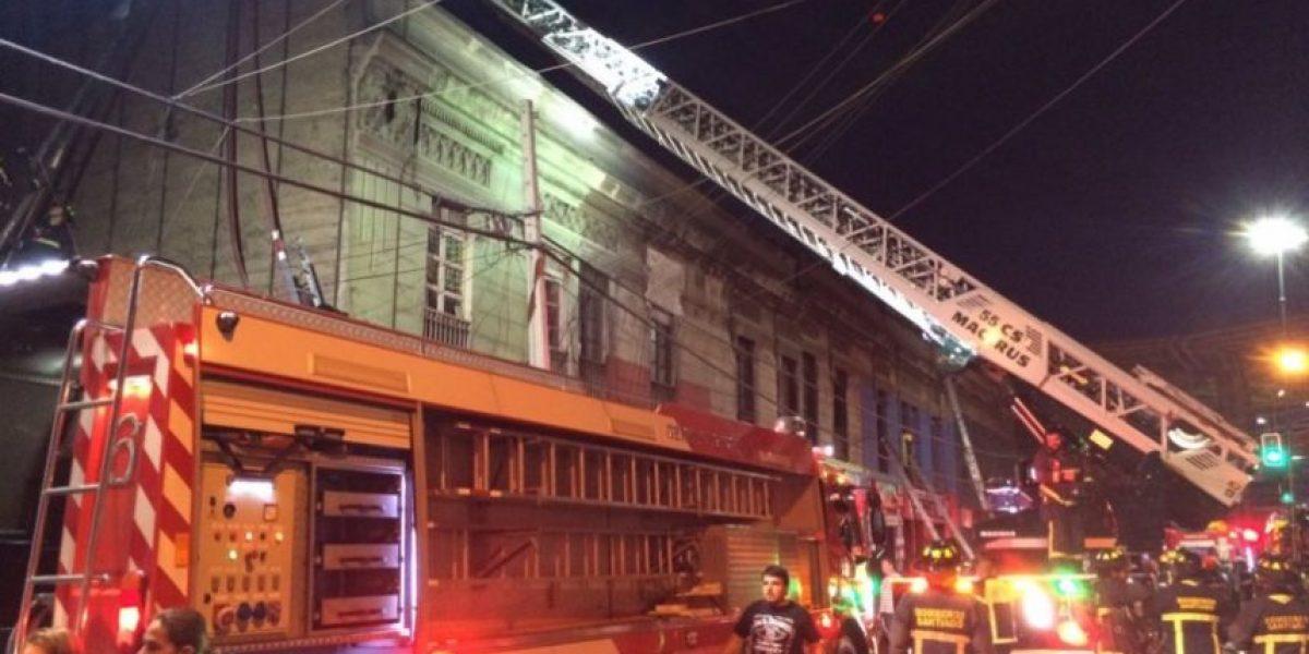 Estación Central: incendio al interior de cité movilizó a Bomberos