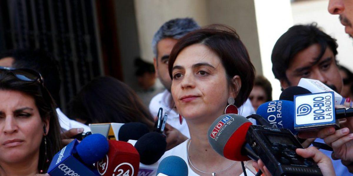 """Gobierno califica de """"inapropiadas"""" las palabras de Piñera sobre familia de Bachelet"""