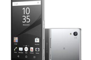 Sony con el Sony Xperia Z5 Premium. Foto:Sony. Imagen Por: