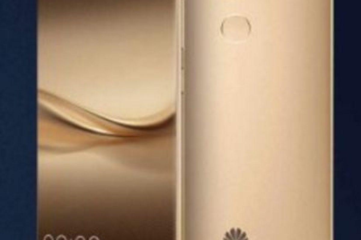 Huawei con el Huawei Mate 8. Foto:Huawei. Imagen Por: