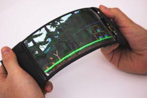 Así luce el smartphone con pantalla flexible. Foto:Vía hml.queensu.ca. Imagen Por: