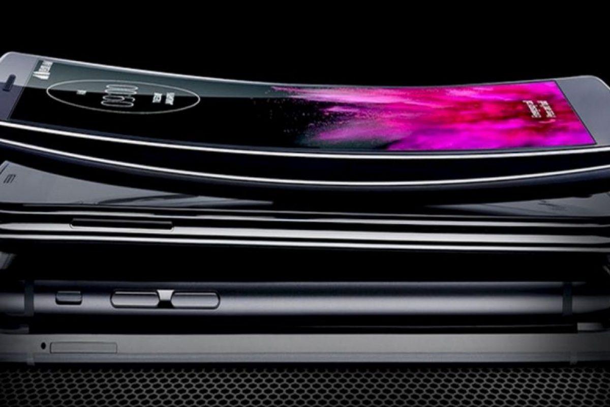 Así luce el LG G Flex en comparación con otros smartphones. Foto:LG. Imagen Por:
