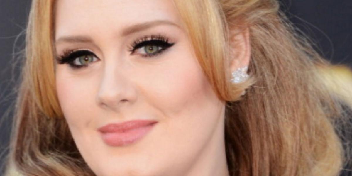 Adele generó polémica tras vestir a su hijo de