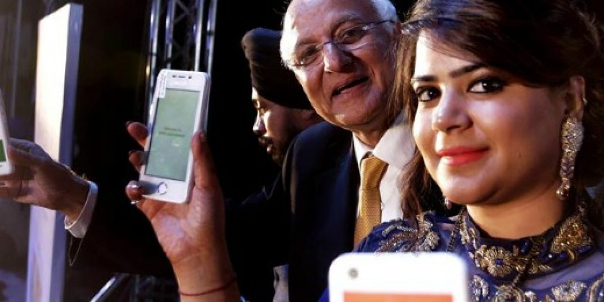 Gran demanda genera suspensión de la venta del smartphone más barato del mundo