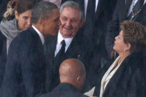 El primer encuentro entre Raúl Castro y Barack Obama fue en 2010 Foto:Getty Images. Imagen Por: