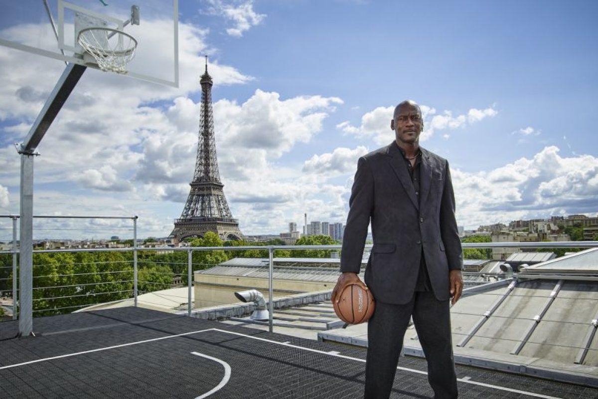 8. Es uno de los hombres más ricos del mundo, con una fortuna de mil millones de dólares Foto:Getty Images. Imagen Por: