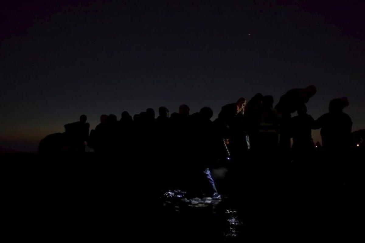 Paul Hansen. Refugiados viajan en la oscuridad para evitar ser deportados. Foto:worldpressphoto.org. Imagen Por:
