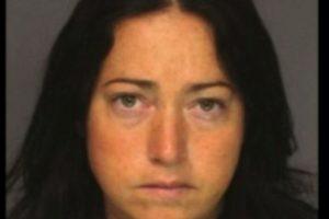 Nicole DuFault, de 35 años. Acusada de tener sexo con seis alumnos. Foto:Essex County Sheriff's Office. Imagen Por: