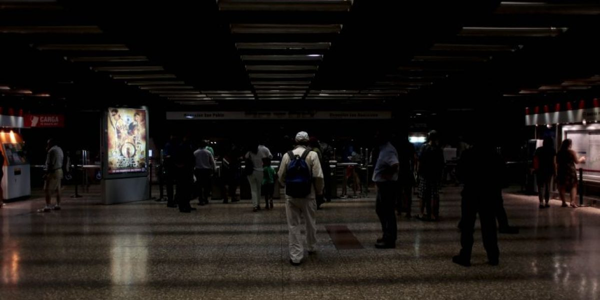 Superintendencia de Electricidad iniciará investigación por corte de energía en Santiago