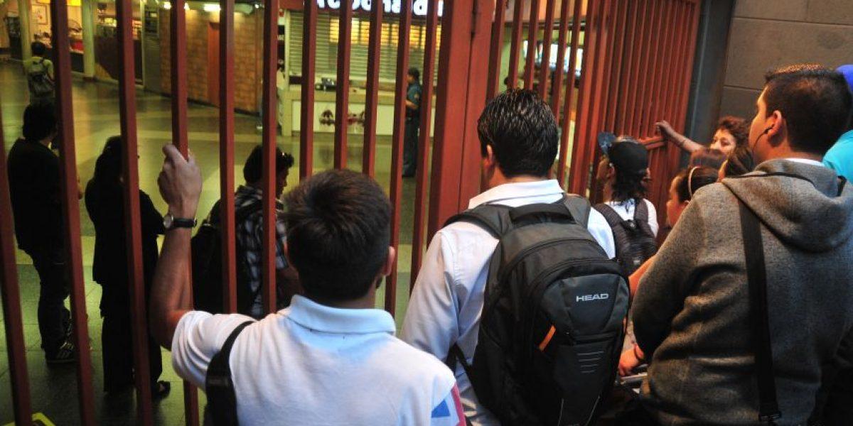 Alza del pasaje: cuarta protesta se trasladó hasta el edificio corporativo del Metro