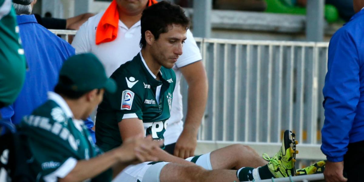 ¡Parece pesadilla! Agustín Parra salió lesionado del encuentro entre Wanderers y Palestino
