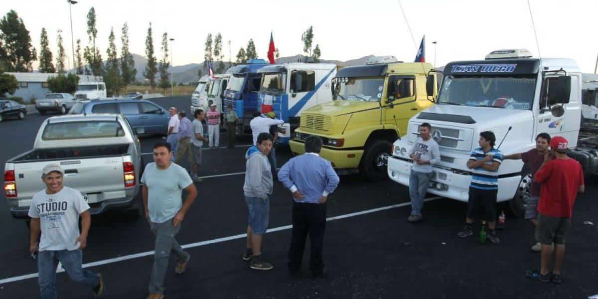 Experto en transporte cuestiona movilización anunciada por camioneros