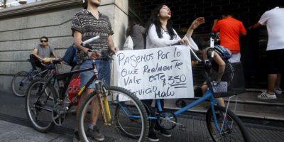 Con pancartas se realizó quinta protesta por alza en pasaje del Metro