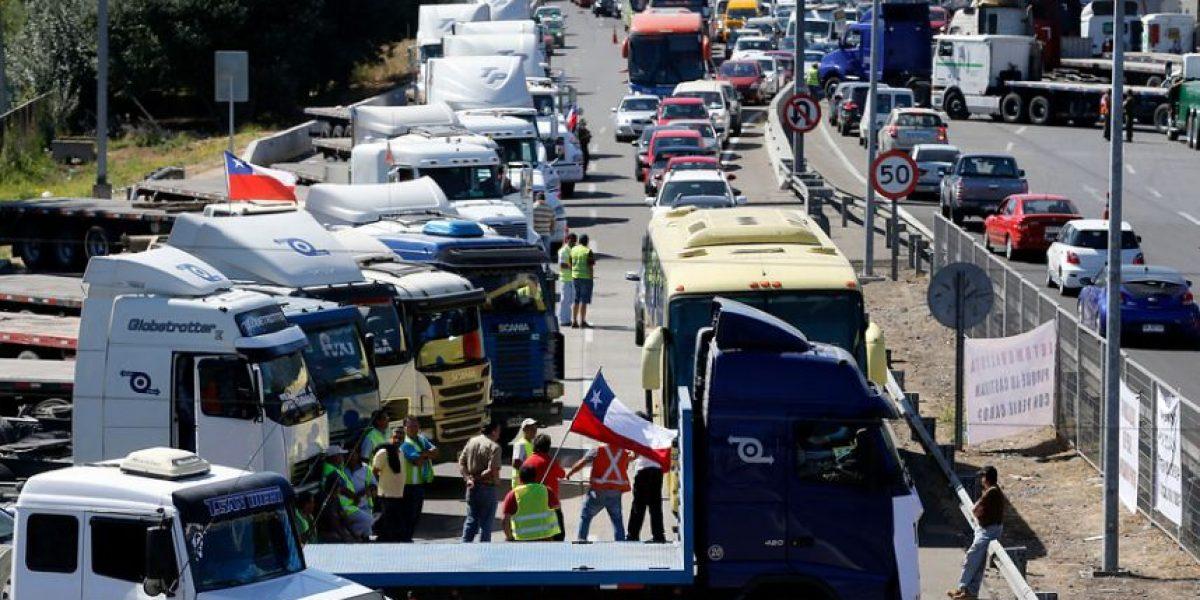 Anuncian fin a la manifestación de los camioneros y se alzan voces de rebelión minoritarias