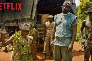 Con su familia destruida por una guerra civil, un niño africano deberá unirse a un grupo de mercenarios que lo convertirán en un niño soldado. Foto:Vía Netflix. Imagen Por: