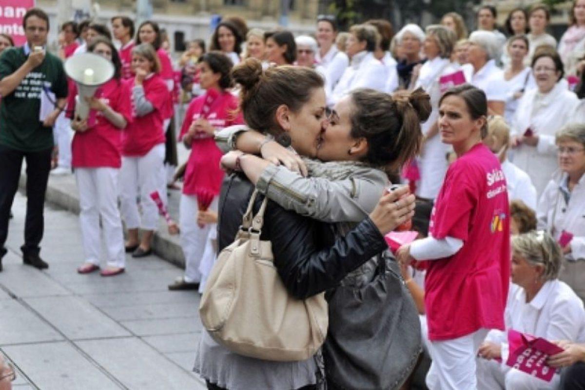 En abril de 2013 el país aprobó legalmente el matrimonio entre estas parejas. Foto:AFP. Imagen Por: